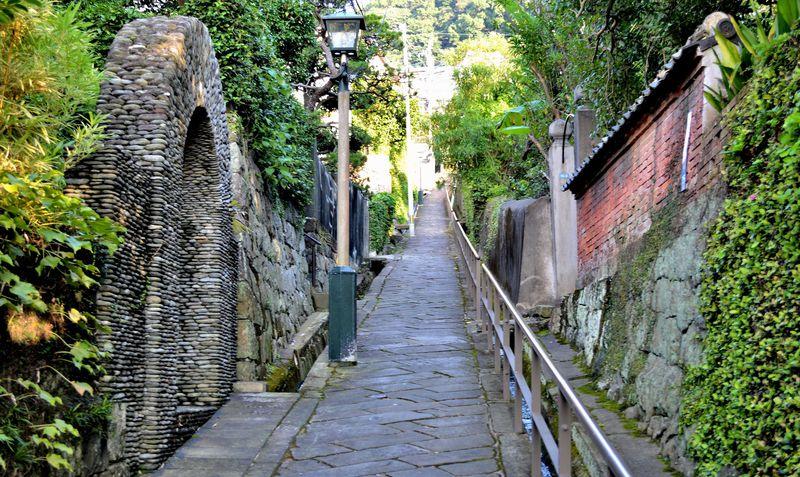 坂の町長崎が誇る絶対に見逃せない二つの坂道!「どんどん坂・祈念坂」