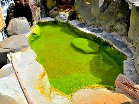 バスクリンではありません!長野「熊の湯ホテル」の超鮮やかな緑の温泉!