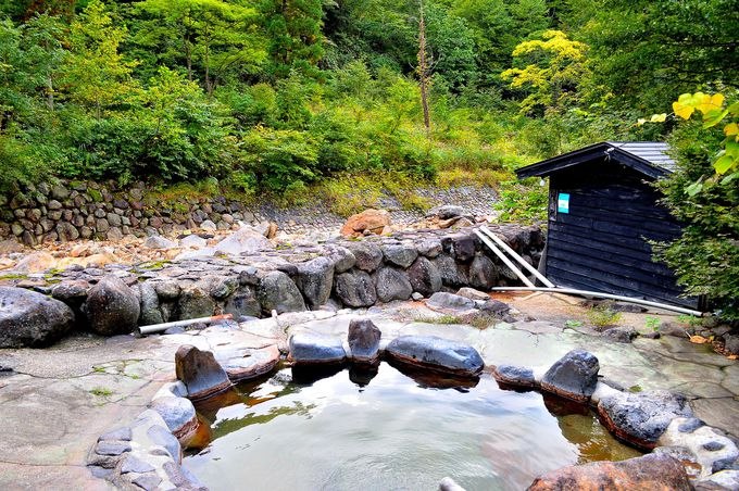 川沿いの混浴露天風呂