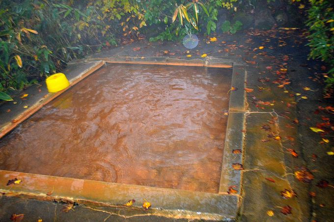 中村屋の真っ赤な温泉