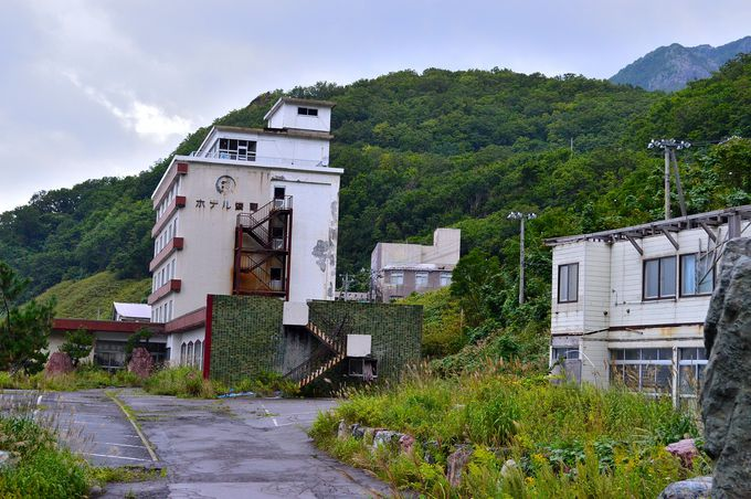 廃墟の街・雷電温泉