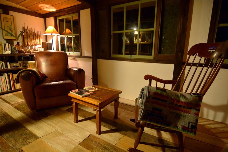 書斎で、縁側で。思い思いの時間を過ごせる場所