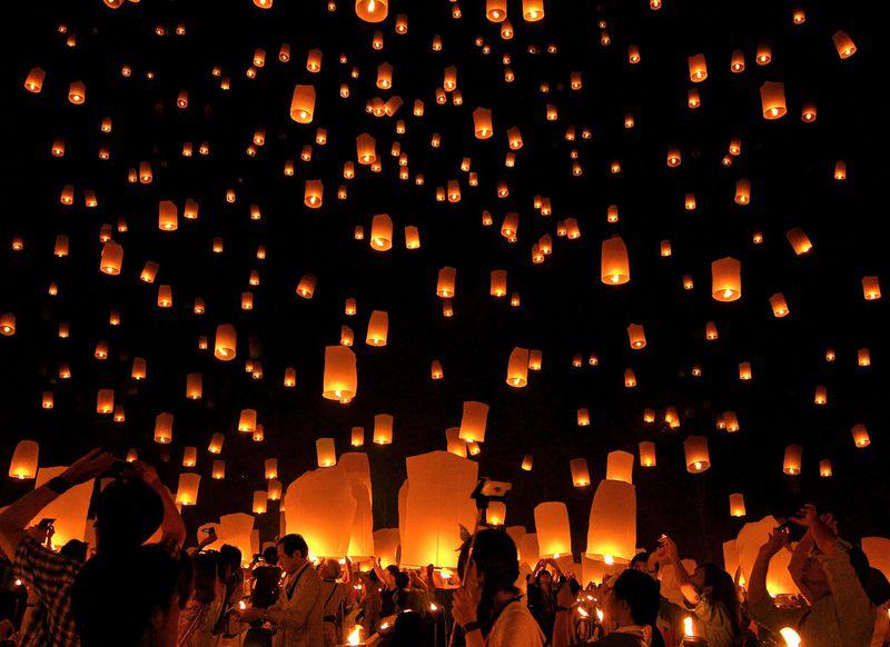 溜め息しか出ない絶景!タイ・チェンマイの「コムローイ祭り」で幻想的な体験をしよう!