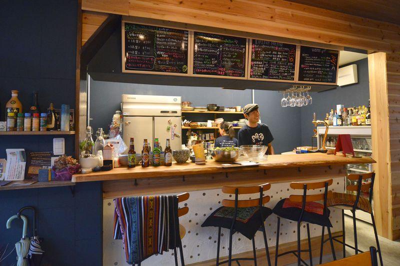 大阪・大正「Bar&Guesthouse MONDO」は下町と世界を繋げるゲストハウス