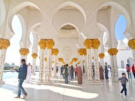 美しきモスクに礼儀あり!アブダビ「シェイク・ザイード・グランドモスク」