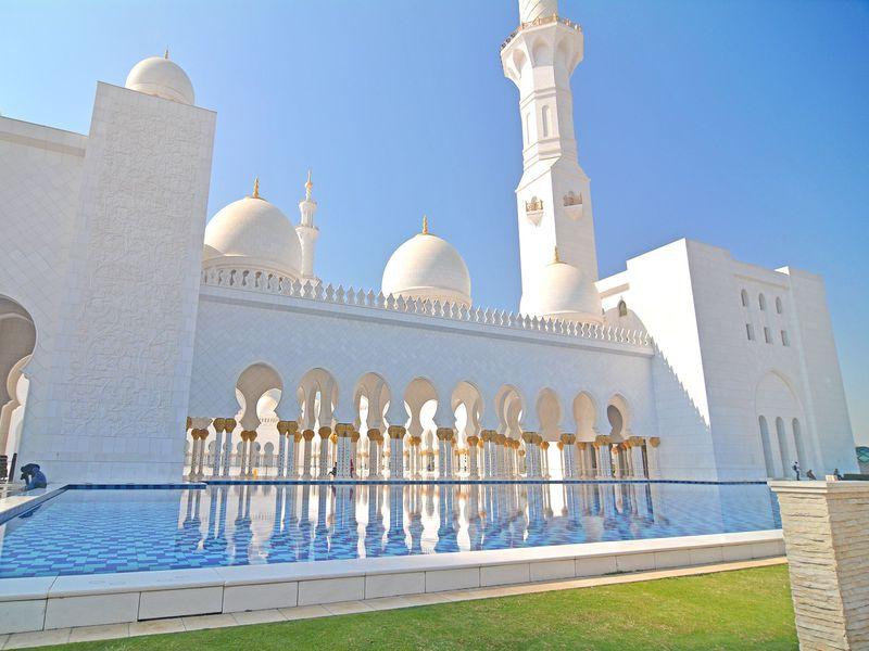 アブダビのおすすめ観光スポット7選 モスクに美術館も!