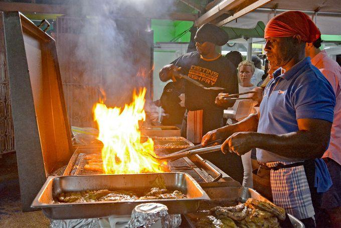 トビウオにマヒマヒ。バルバドスの名物料理を楽しもう!