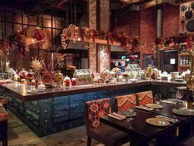 店の中にヤギ!?モスクワの人気レストラン「シノック」の世界観が楽しい