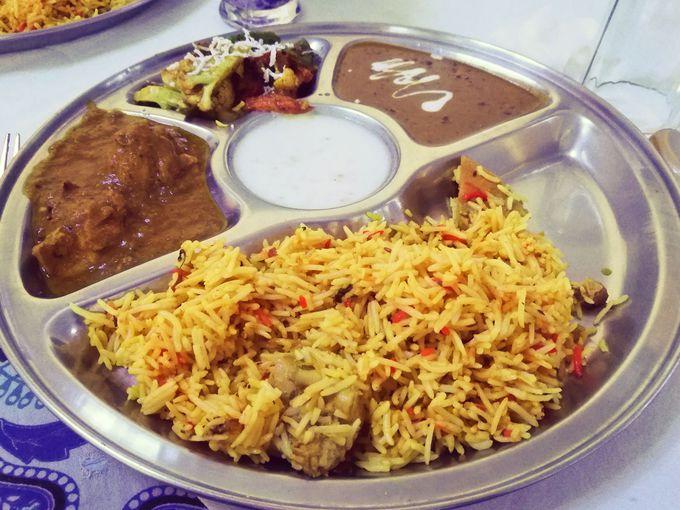 ランチ:インド版の定食「ターリー」がオススメ!