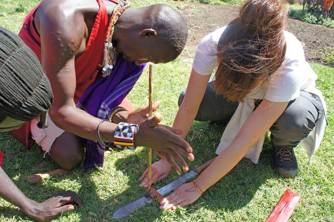 近代化してもジャンプ力は健在!マサイ族の村を訪問