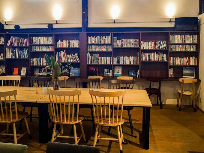 「読む」だけじゃない。しおりで繋がるブックカフェ
