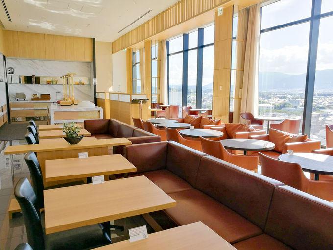 眺望最高のレストランで頂く朝食は格別
