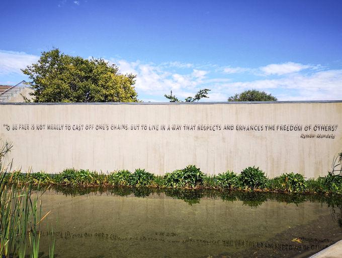 人種隔離政策「アパルトヘイト」の歴史を扱う博物館