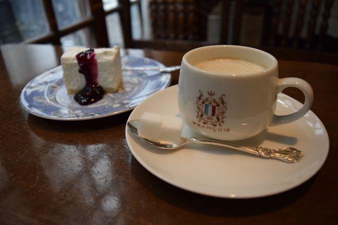おすすめはレアチーズケーキとこだわりのコーヒー