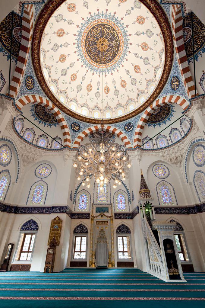 イスラム芸術の粋を極めた2階の礼拝堂