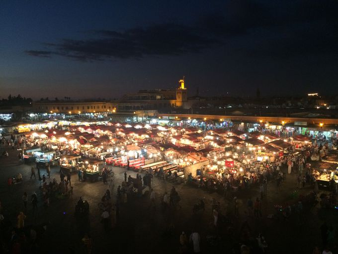 観光の中心地フナ広場の近くにあるリアド