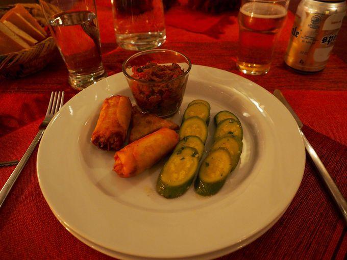 モロッコ家庭料理のディナーやお酒も楽しめる