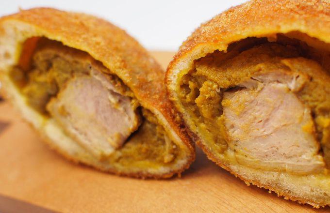 お土産にピッタリの豚角煮カレーパン