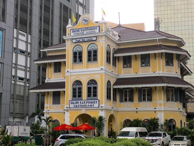 コロニアル様式の建物が目を引くレストラン