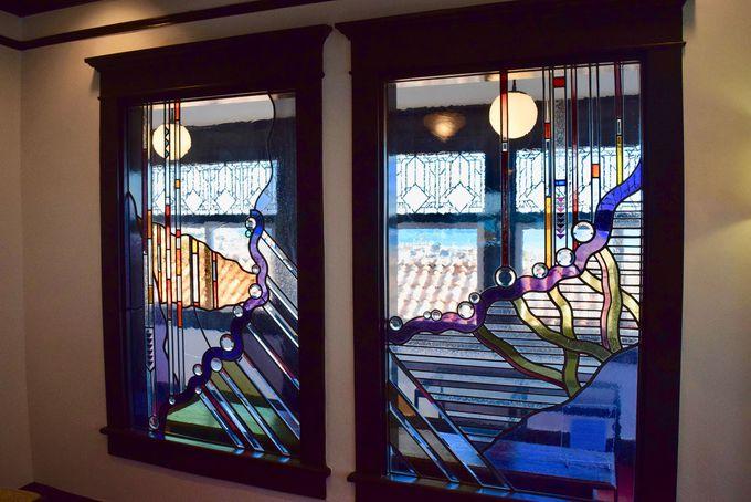 大磯の自然によって彩られたステンドグラス