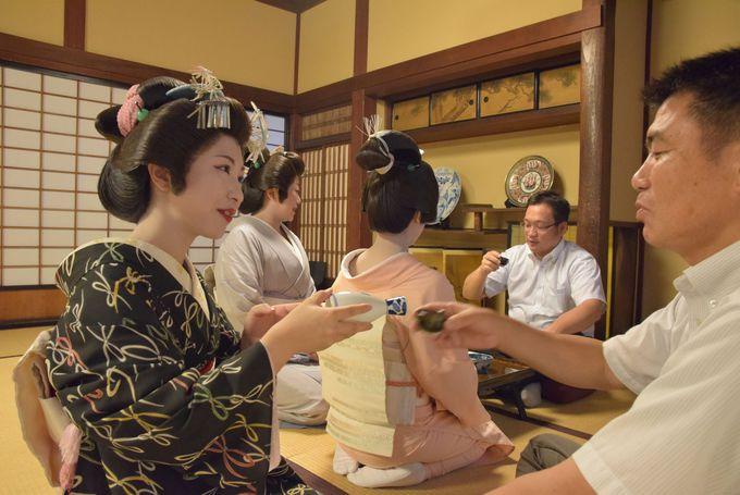 江戸時代から東山芸妓(からり妓さん)も活躍