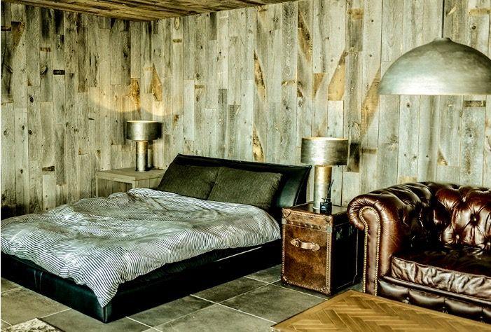 個性的なデザインのキャンピングホテル「RHINOS」