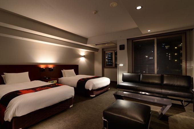 ゆとりのある客室で贅沢なホテルステイ