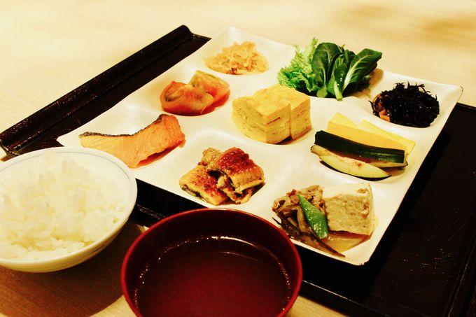 和食中心の朝食ブッフェを味わえる「花ごよみ東京」