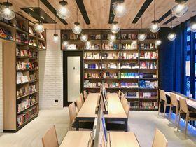 本屋×カフェ×ホテルで24時間本の世界へ!「ランプライトブックスホテル名古屋」