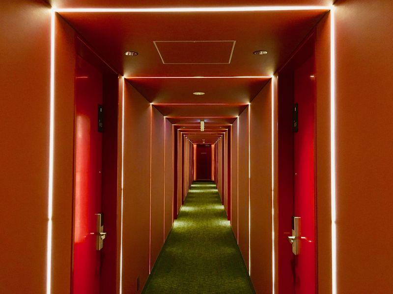 ホテル内に真っ赤な鳥居がズラリ!?「ホテルフェリーチェ赤坂」