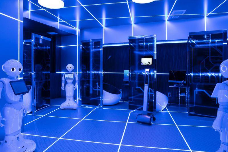ロボ対応のサイバーなクリニックを併設!「変なホテル東京 浜松町」