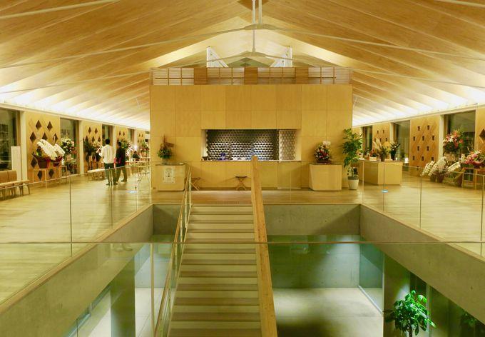 山形庄内の水田に浮かぶようなホテルが誕生!