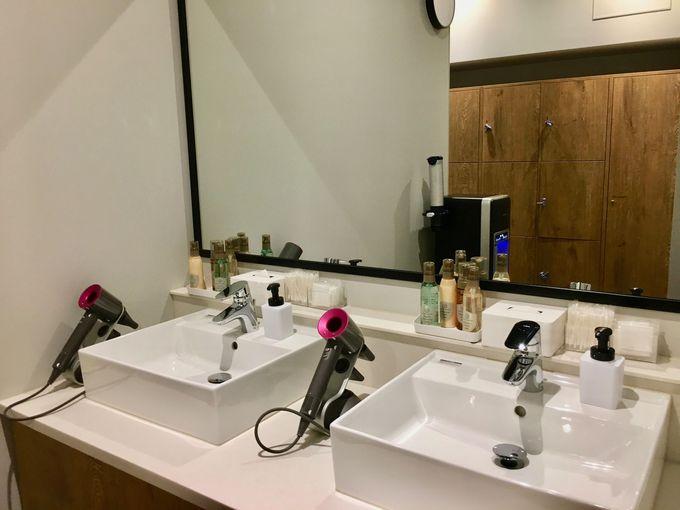 銀座の夜景を眺められる大浴場も完備!