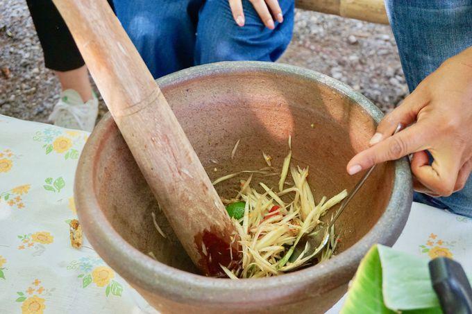 イサーン伝統料理のソムタム作りに挑戦!
