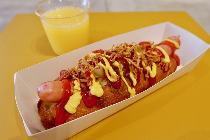 朝食のホットドッグを自分好みにアレンジ!