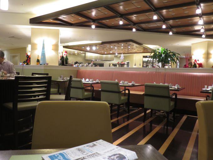 朝食レストランは6時から営業しています。