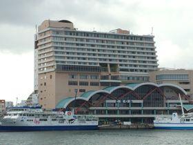 離島観光の玄関口とまりんは真下!「沖縄かりゆしアーバンリゾート・ナハ」