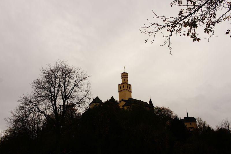 不落の名城!ドイツ、ライン川を彩る中世のマルクスブルク城