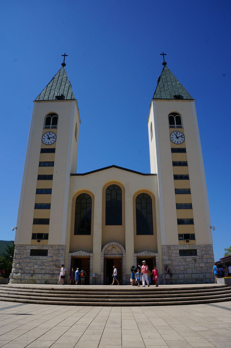 マリア様ご光臨の聖地、ボスニア・ヘルツェゴビナ「メジュゴリエ」の教会