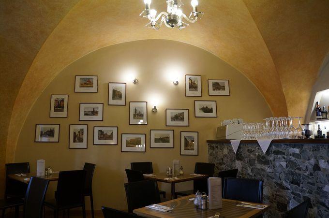 美味しいチェコ料理はどこで食べるか迷いますね