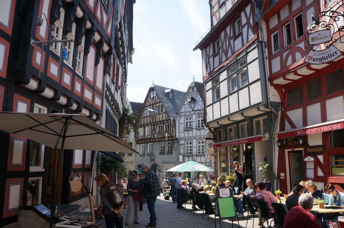 どこで食べよう?目移り必須の旧市街