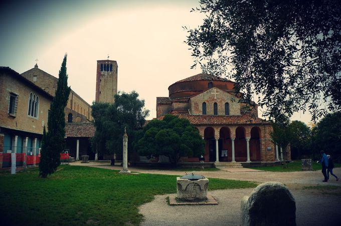 繁栄の跡が残る「サンタ・マリア・アッスンタ」教会
