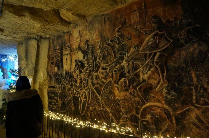洞窟の中で暮らせるのでは?生活感あふれるクリスマスマーケット