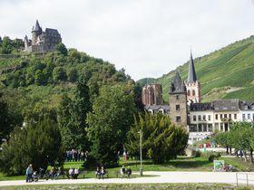 一泊二食付37ユーロで城の住人に!ドイツ・シュターレック城の歴史的な週末