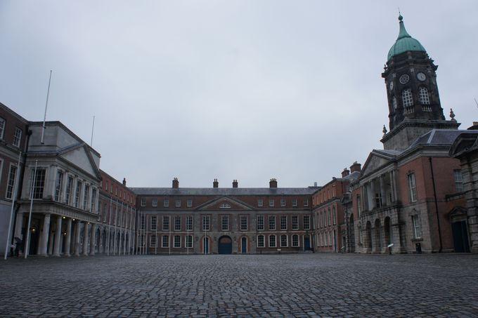 支配と復活の象徴 ダブリン城