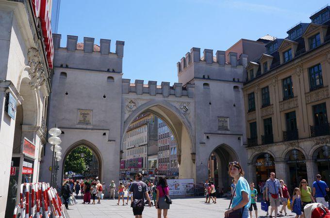 新旧時代の入り交じる、楽しい旧市街