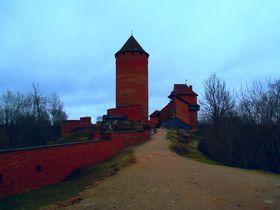 愛憎に満ちた「神の庭」ラトビア・スィグルダの歴史探索