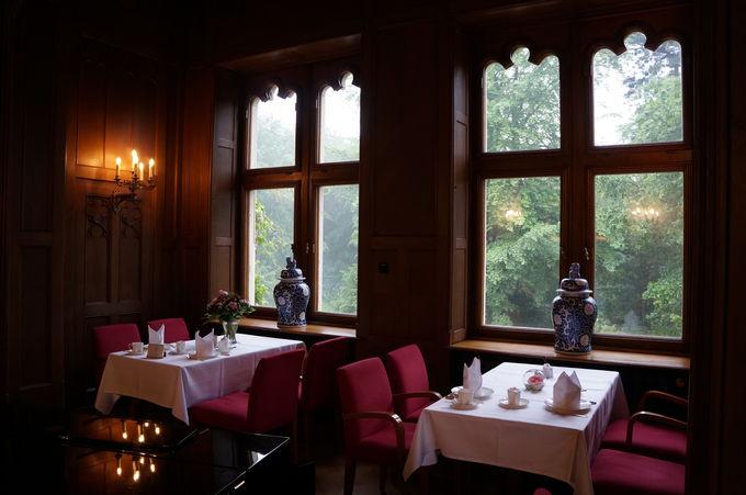 麗しい緑のお城ホテル「シュロスエックベルク」