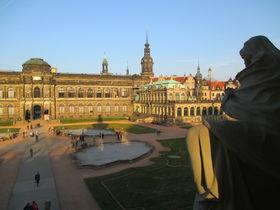 百塔の都の激動 ドイツ・ドレスデン歴史散歩