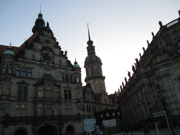 バロックの御殿「ツヴィンガー宮殿」